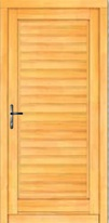 Eingangstüre mit Rahmenkonstruktion aus Massivholz